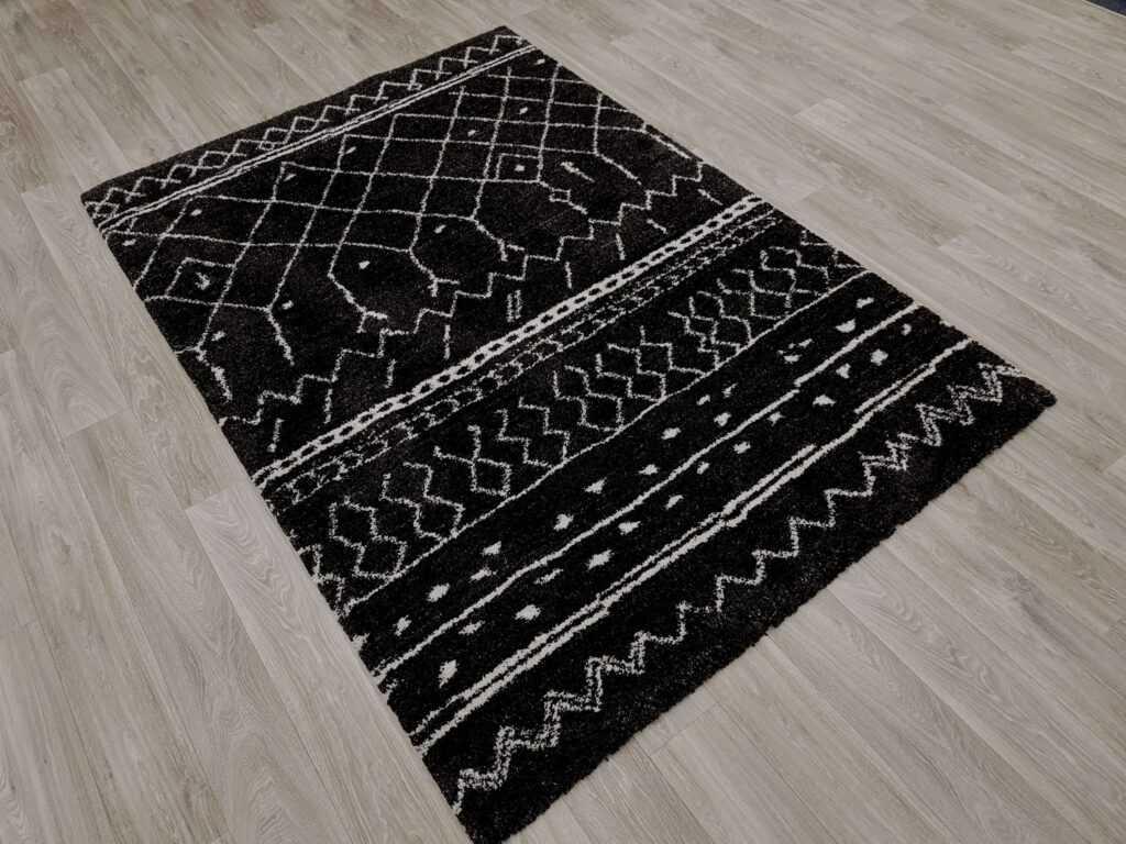 Popularan Geometrijski Crno Bijeli Dezen Tepih za Dom i Apartmane